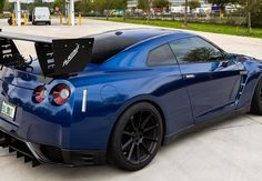 Bildresultat för dark blue car