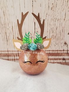 inch diameter brown glitter ornament, embellished with beautiful handmade rolled paper flowers and embellishments. Christmas Ornament Crafts, Christmas Crafts For Kids, Christmas Baubles, Diy Christmas Gifts, Holiday Crafts, Christmas Holidays, Harry Potter Christmas Decorations, Christmas Decorations To Make, Felt Crafts Diy