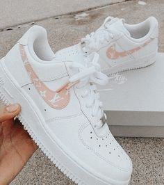 not my pic ! just edited by me ☻ Jordan Shoes Girls, Girls Shoes, Cute Sneakers, Summer Sneakers, Nike Shoes Air Force, Tennis Shoes Outfit, Aesthetic Shoes, Fresh Shoes, Hype Shoes