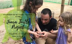 Volunteering with children at the Juara Turtle Project.