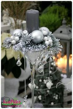 1 million+ Stunning Free Images to Use Anywhere Silver Christmas Decorations, Christmas Flowers, Christmas Candles, Christmas Centerpieces, Simple Christmas, Winter Christmas, Christmas Time, Christmas Wreaths, Christmas Crafts