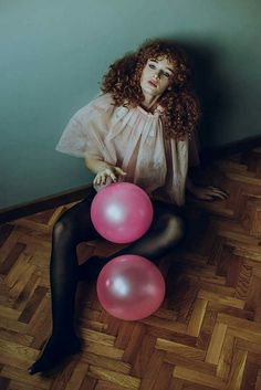 Lo. Lee. Ta.   #retro #fashion #high #lolita #curly #hair #girl #ginger #pink