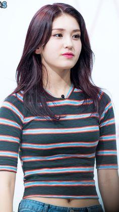 Pin Image by Pinigram Korean Beauty Girls, Cute Korean Girl, Asian Beauty, Jeon Somi, Beautiful Girl Photo, Beautiful Asian Women, Thing 1, Korean Singer, Asian Woman