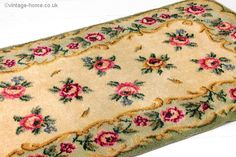 Vintage Home Shop - 1940s Roses and Cream Rug with a Pretty Green Border: www.vintage-home.co.uk