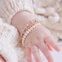 Baby hand dimples + bracelets = 😍 All three of these bracelets 👆🏼 are currently on sale during our Valentine's Day sale! (Sale ends…