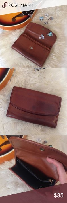 ✨Coach Leather Clutch Wallet✨ Gorgeous genuine leather clutch wallet. Can also be used as a crossbody, but missing strap. Worn used condition adds to the beauty of the leather. Coach Bags Clutches & Wristlets