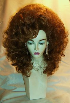 Change Your Look In Seconds With Human Hair Clip In Extensions – My Hair Extensions Pretty Hairstyles, Wig Hairstyles, Drag Wigs, Real Hair Extensions, High Hair, Human Hair Clip Ins, Queen Hair, Wig Styles, Hair Pieces
