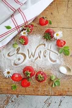 Good morning  ladies, happy weekend. Thank you for all the beautiful  birds yesterday.Today let's do a strawberry  cottage