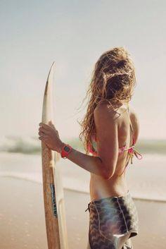 Surf :: Ride the Waves :: Free Spirit :: Gypsy Soul :: Eco Warrior :: Surf Girls :: Seek Adventure :: Summer Vibes :: Surfboard Design + Style :: Free your Wild :: See more Untamed Surfing Inspiration Surf Girls, Beach Girls, Beach Babe, Summer Of Love, Summer Beach, Summer Vibes, Surfing Lifestyle, Surf Hair, Vestidos Sexy