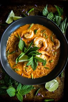 Red Curry Shrimp Laksa Food Recipe Share and enjoy! Soup Recipes, Dinner Recipes, Cooking Recipes, Family Recipes, Red Curry Shrimp, Thai Shrimp, Shrimp Soup, Lobster Recipes, Asian Recipes