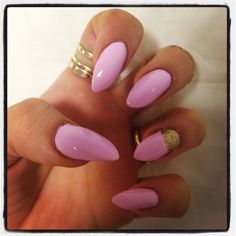 My Pink & Gold almond nails <3