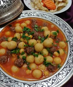 A great juicy recipe for dinner - Eat Recipes Meat Recipes, Dinner Recipes, Cooking Recipes, Healthy Recipes, Turkish Recipes, Ethnic Recipes, Good Food, Yummy Food, Middle Eastern Recipes