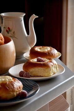 Soft brioche buns with ricotta and mascarpone filling