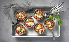 Hackfleisch-Tomaten-Suppe mit Gemüse und Nudelstücken