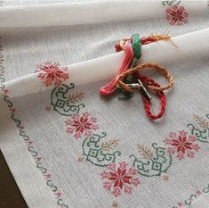 Cross Stitch Borders, Cross Stitch Designs, Cross Stitching, Cross Stitch Embroidery, Cross Stitch Patterns, Hobbies And Crafts, Diy And Crafts, Towel Embroidery, Beading Tutorials