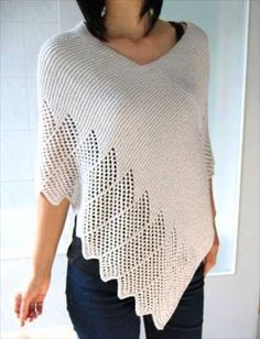 Cotton Lace Poncho - Free knitting pattern from Ravelry Poncho Au Crochet, Pull Crochet, Poncho Knitting Patterns, Knitted Shawls, Crochet Scarves, Loom Knitting, Knit Patterns, Crochet Clothes, Free Knitting