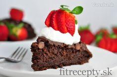 Zdravý kakaový koláč s kyslým mliekom