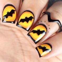 I am presenting before you 15 Halloween bat nails art designs & ideas of 2016 that you will love to apply, don't settle for big salons, try these nail art designs, they are so simple and yet so easy to be done by your own self. Spooky Halloween, Nail Art Halloween, Halloween Nail Designs, Halloween Ideas, Halloween Rocks, Homemade Halloween, Winter Nails, Spring Nails, Autumn Nails