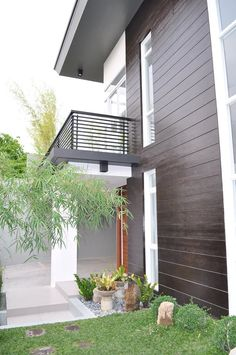 Brand new modern glass house for sale in paranaque city, metro manila, philippines Modern Glass House, Modern House Design, Modern House Philippines, Manila Philippines, Narrow House Designs, Philippine Houses, House Worth, Facade House, House Facades