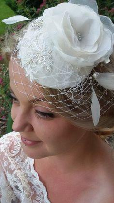 Headpieces & Fascinators - Edler Fascinator für die Braut in Ivory - ein Designerstück von alw-design bei DaWanda