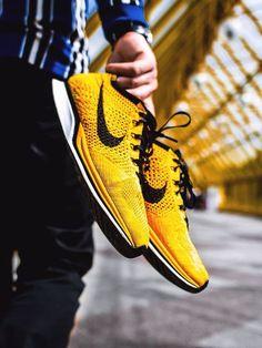 Nike Flyknit Racer - Yellow/Black - 2013 (by whoisstepan) Leggings Nike, Shorts Nike, Mens Fashion Shoes, Sneakers Fashion, Nike Clothes Mens, Man Clothes, Yellow Nikes, Yellow Black, Sweatshirts Nike