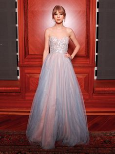 Prom inspiration: Taylor Swift in Reem Acra i love that dress it is georgeous omg im so in love with tht dress and her
