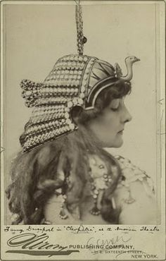 Fanny Davenport being Cleopatra in the 1890 production of Victorien Sardou's 'Cléopâtre'