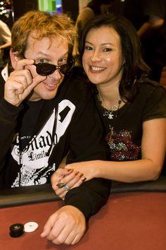 um bracelete da World Series of Poker e já foi em inúmeros programas de televisão transmitidos nacionalmente.