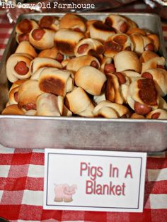 Whats a barnyard birthday party without barnyard party food--a sad situation. So, heres a fun way to make Pigs in a Blanket more enjoyable.