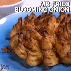 Air Fried Blooming Onion Now you can make this all time favorite at home and in your Air Fryer! So much better for you than the greasy deep fried version. Really easy when you. Air Fryer Recipes Snacks, Air Frier Recipes, Air Fryer Dinner Recipes, Air Fryer Chicken Recipes, Yummy Dinner Recipes, Air Fryer Recipes Videos, Deep Fryer Recipes, Air Fryer Recipes Potatoes, Air Fryer Recipes Vegetables