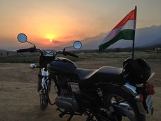 The Indian royalty...Indian Flag.....Patriotrism ...The Army Ride.... #royalRide #mkm915 #enfield #bullet #IndianFlag  Picture Credits : Thakur, Kritesh