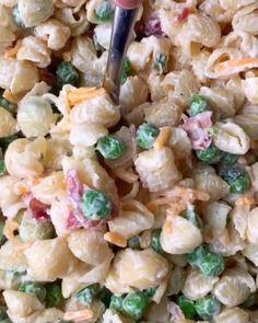 Bacon Ranch Pasta Salad, Tuna Salad Pasta, Easy Pasta Salad Recipe, Best Pasta Salad, Easy Salad Recipes, Easy Salads, Veggie Pasta Salads, Seafood Pasta Salads, Macaroni Salad With Chicken