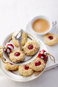 Knusprige Plätzchen mit gehackten Mandeln zu Weihnachten