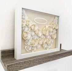 Flower Shadow Box, Diy Shadow Box, Shadow Box Frames, Diy Baby Gifts, Diy Mothers Day Gifts, Diy Wedding Backdrop, Diy Crafts For Adults, Promposal, Cricut Craft Room