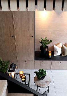 16 Elegant Scandinavian Hallway Designs That Can Improve Your Home Ikea Trones, Flur Design, Hallway Inspiration, Hallway Designs, Small Hallways, Ideas Para Organizar, Dere, Vestibule, Small Living Rooms