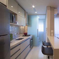 Cozinha compacta funcional e linda por Mariane e Marilda Baptista. Amei Me encontre também no @pontodecor  HI Snap:  hi.homeidea  http://ift.tt/23aANCi #bloghomeidea #olioliteam #arquitetura #ambiente #archdecor #archdesign #hi #cozinha #homestyle #home #homedecor #pontodecor #homedesign #photooftheday #love #interiordesign #interiores  #picoftheday #decoration #world  #lovedecor #architecture #archlovers #inspiration #project #regram #canalolioli