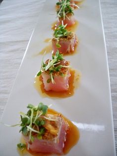 Lecker :) Tuna Tataki With Ginger Dressing Sushi Recipes, Seafood Recipes, Appetizer Recipes, Cooking Recipes, Healthy Recipes, Cooking Food, Sauce Recipes, Cooking Time, Think Food