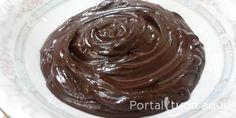 Aprenda a fazer Ganache de chocolate que você pode usar para coberturas, recheios e molhos em muitas receitas maravilhosas!