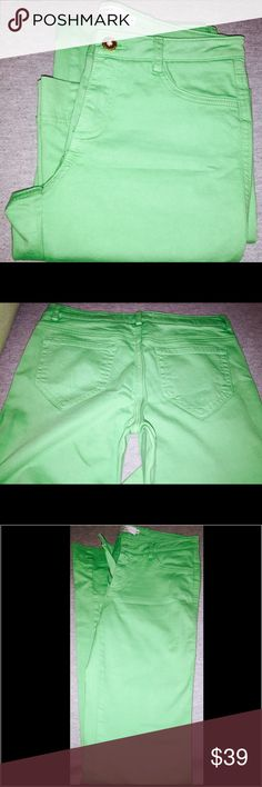 """Robert Rodriguez Kelly Green pants.  Size 0 Size 0 long Kelly Green pants.  Look cute with heals and a tucked in shirt.  I am 5""""6 and they fit perfect with 3"""" heals.  Was debating turning these into a cute pair of jean shorts. Robert Rodriguez Pants Boot Cut & Flare"""