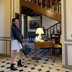 Француженка с русской душой sur Instagram: С начала XXI века мы практически все забыли о хороших манерах «Старого режима» Что на самом деле хорошо! Так как были например такие манеры… French Lifestyle, Luxury, Design, Fashion, Moda, Fashion Styles, Fasion