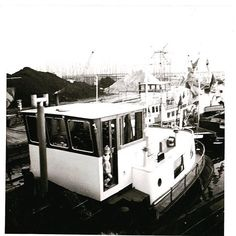 New blog online!  Some history about our ship and the progress so far.... (different languages available)  #houseboat #houseboats #varendwoonschip #woonschip  #wonenophetwater #binnenvaart #meerval #aanboord #luxemotor #inlandshipping #sailing #history #historie #uitdeoudedoos