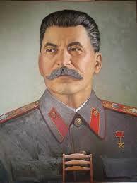 Jozef Vissarionovitsj Dzoegasjvili, oftewel Stalin heeft miljoenen doden op zijn geweten. Intelligent maar tegelijk compleet gestoord.