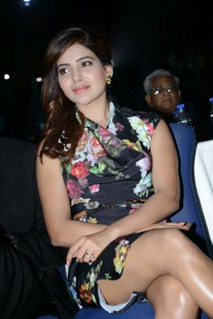 South Beauty Samantha Shows her SEXY Thighs in an Audio release Hot Images Of Actress, Indian Actress Images, Bollywood Actress Hot Photos, Bollywood Girls, Beautiful Bollywood Actress, Most Beautiful Indian Actress, Actress Pics, Beautiful Actresses, Samantha Images