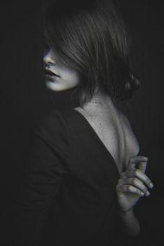 black-white-madness:    Madness:    Portrait series for Eva Minaeva (Noah Models)   Hair/style: Marina Shelukhova   Photography/style: Alexander Kuzmin