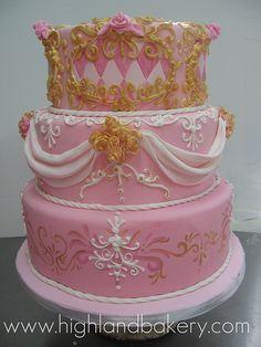 versaille wedding cake 2 by Karen Portaleo/ Highland Bakery, via Flickr