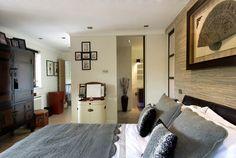 Stylowa sypialnia, mix stylów. Zobacz więcej na: https://www.homify.pl/katalogi-inspiracji/12399/pomysly-na-dekoracje-sypialni