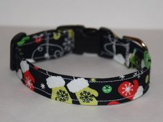 Christmas Mittens Dog Collar // Handmade & by PawesomePups on Etsy