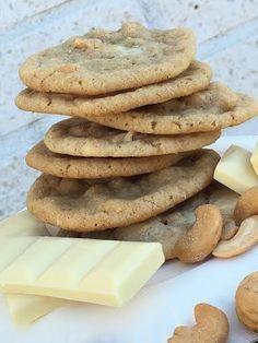 Chocolate chip cookies med vit choklad och salta cashewnötter – Alla goda ting