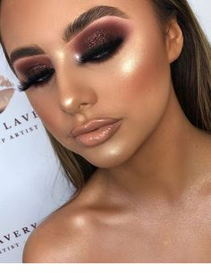 Makeup looks – Lush Makeup Ideas Sexy Makeup, Gold Makeup, Flawless Makeup, Makeup Inspo, Makeup Inspiration, Makeup Goals, Makeup Tips, Beauty Makeup, Hair Makeup