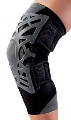 REACTION Knee Brace | DJO Global :: Uses an innovative web approach for absorbing shock and relieving knee pain caused by Chondromalacia, Patellar Tendonitis/Teninosis, general Patellofemoral tracking issues.